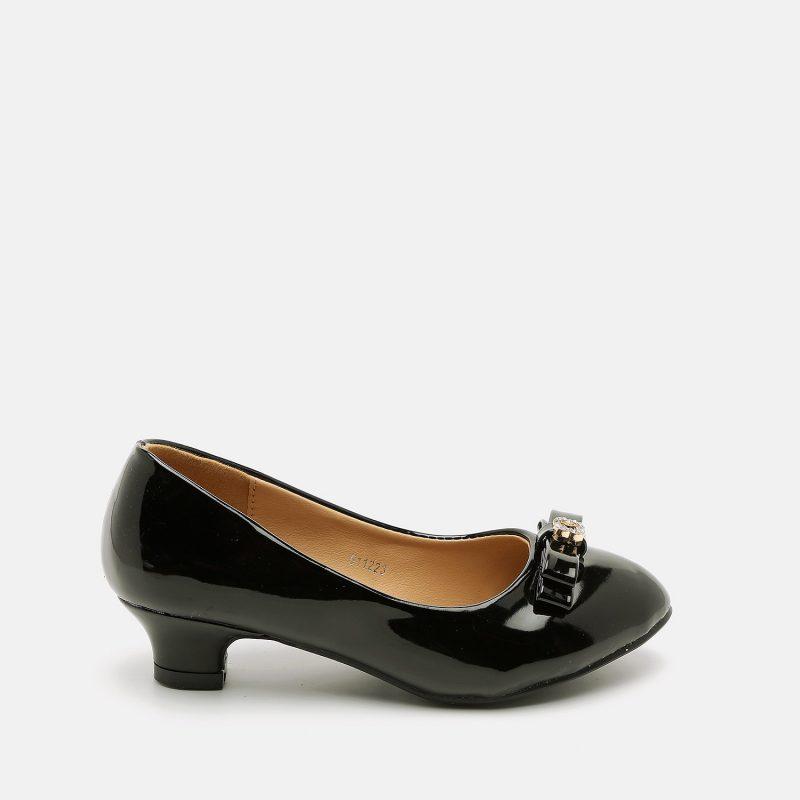 נעל ילדות עם עקב קטן