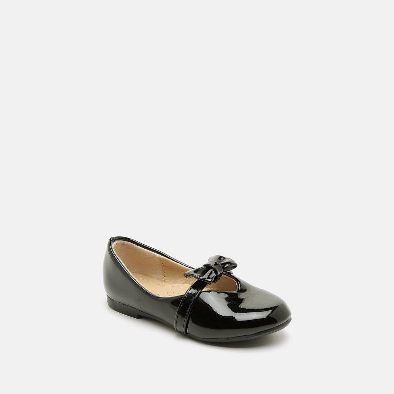 נעל עם פפיון