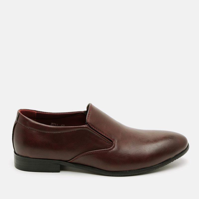 נעל אלגנטית עם עקב נמוך