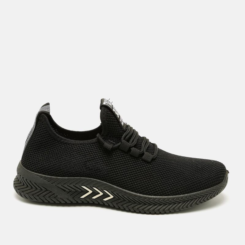 נעל ספורטיבית עם רשת ושרוכים